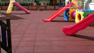 Guida alla scelta del pavimento PVC o gomma: materiali a confronto