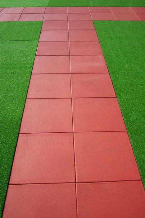 Pavimentazioni in gomma per giardini, terrazzi, camminamenti