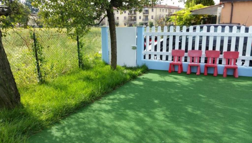 Prato erba sintetica o naturale vantaggi e caratteristiche