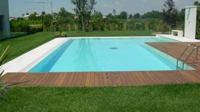 Pavimentazione bordo piscina: Quale scegliere e perche'?