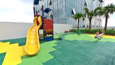 Divertirsi in sicurezza: caratteristiche delle pavimentazioni per ludoteche