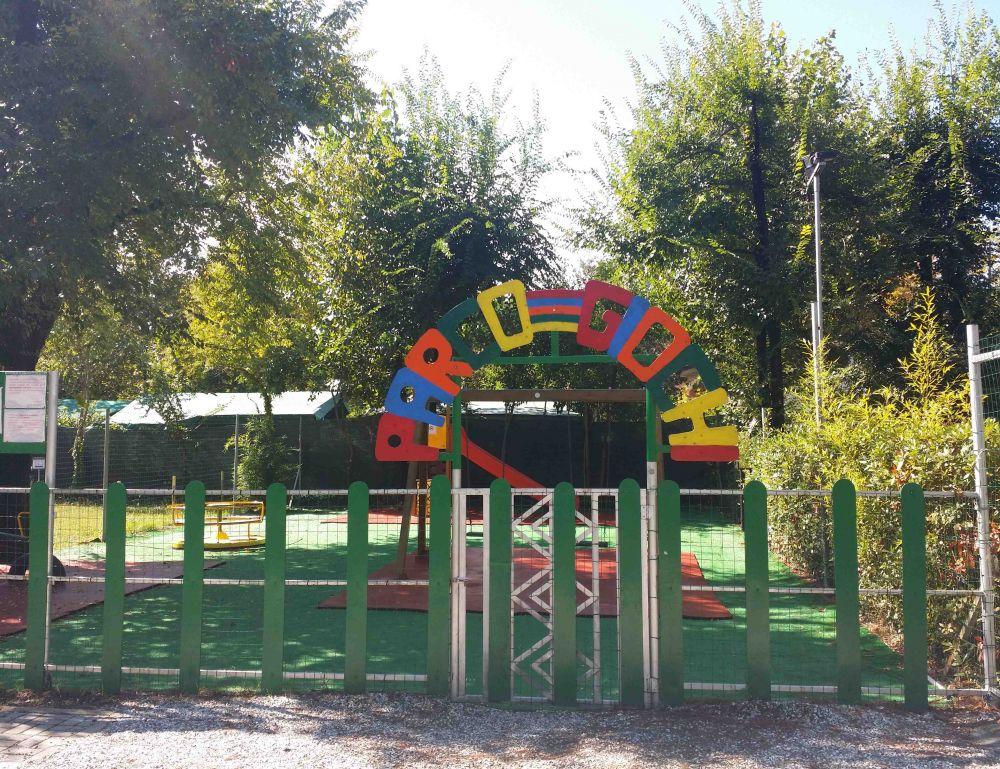 campeggio parco gioco gomma antitrauma